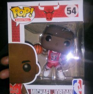 Jordan Bulls Funko Pop #54 + Travis Scott Reese's